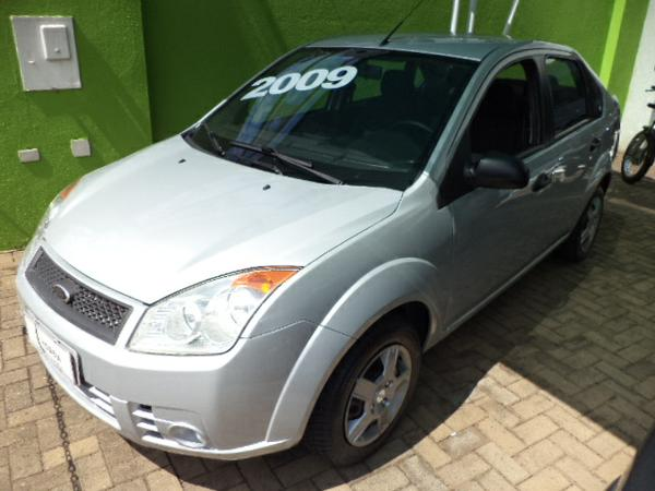 FORD Fiesta Sedan 1.0 8V Flex 4p 2009 / 2009Londrina - PR